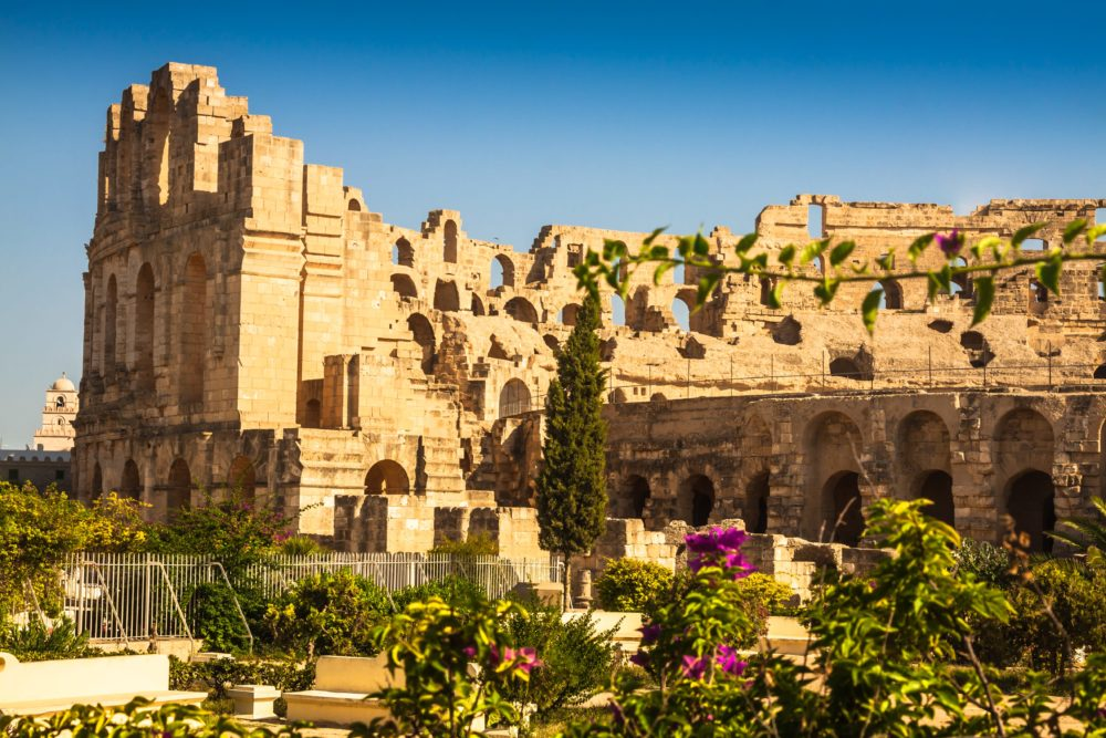 Tunisia.-El-Jem-ancient-Thysdrus.-Ruins-of-the-largest-colosseum-in-North-Africa-min